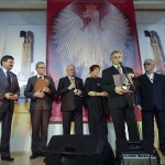 Przy mikrofonie laureat nagrody 2013 Jerzy Luftmann. Na scenie także Janusz Śniadek, Walery Czarnecki, Józef Małobęcki, Ewa Dałkowska, Jan Pietrzak.